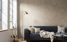 Innenbereich von Oskar Seus beige gemusterte Wand