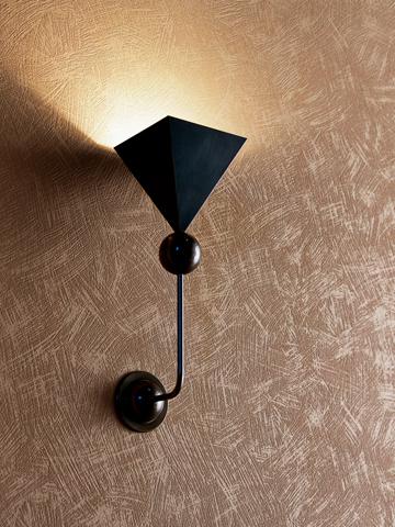 Kreative Maltechniken von Oskar Seus braun strukturierte Wand mit Lampe