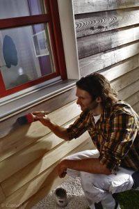 Lackierarbeiten von Oskar Seus Maler lackiert Holz